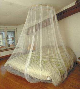 Mosquiteros sin tratar y mosquitero de cama for Mosquiteras para camas